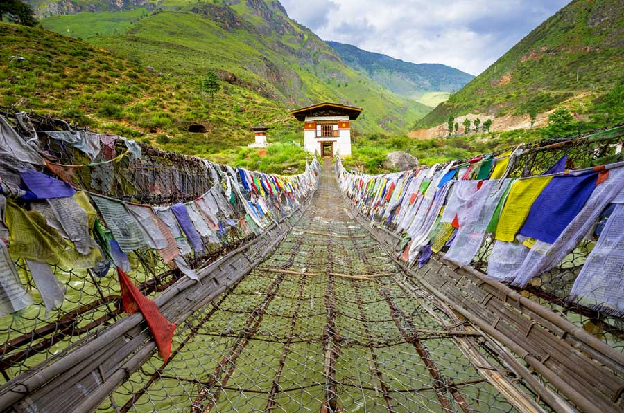 Bhutan-Travel-Experience-with-Bhutan-Travel-Gate-Iron-Bridge